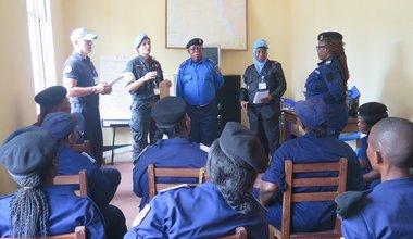 Séance de formation du personnel féminin de la PNC sur les questions de violences sexuelles basées sur le genre (VSBG) au siège de l'État-Major PNC à Kalemie. Photo MONUSCO/Marcelline COMLAN