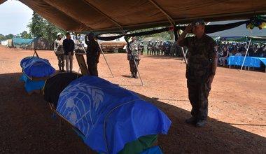 Hommage aux deux casques bleu Tanzaniens tués au combat en territoire de Béni