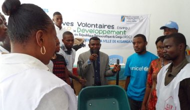 United Nations Volunteers provide a batch of sanitation tools to Congolese Youth Volunteers Corps