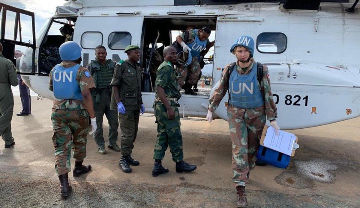 Dans le cadre des offensives lancées contre les ADF à Beni, en début novembre, les FARDC reçoivent l'appui de la Brigade d'Intervention (FIB) de la MONUSCO pour l'évacuation des blessés à partir des lignes de front vers les hôpitaux. Photo MONUSCO/Force