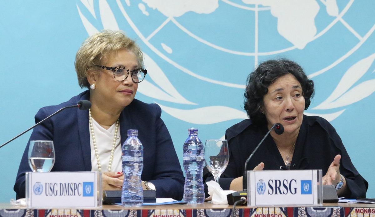 La Secrétaire générale adjointe des Nations Unies, Catherine Pollard, et la Chef de la MONUSCO, Leila Zerrougui, échangeant avec le personnel de la Mission de l'ONU à Kinshasa. Photo MONUSCO/John Bompengo