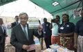 António Guterres visite le centre de transit et la Base militaire de la MONUSCO à Munigi
