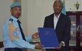 La Police MONUSCO remet des registres de garde à vue à la Police judiciaire