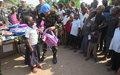 Le contingent Marocain de la MONUSCO assiste les élèves d'une école de Kananga